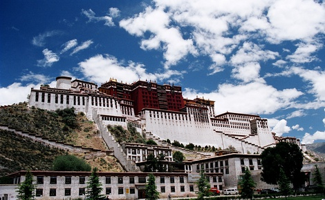 Tour Spotlight: Monasteries & Palaces